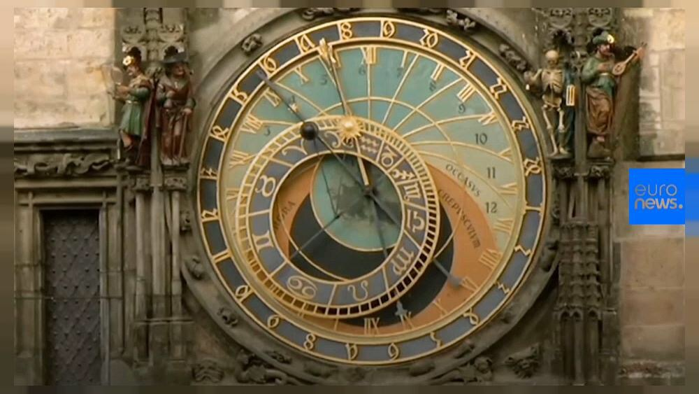 buy popular 08f56 cf952 チェコ・遺産:プラハ旧市庁舎時計台、大規模修復が完了– 600年 ...